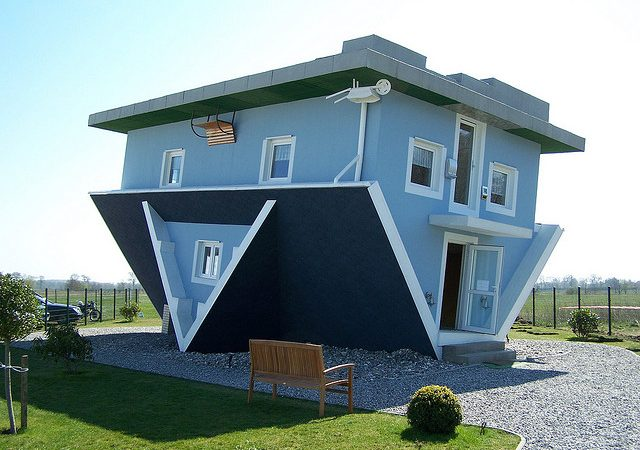 8 Upside Down Houses That Will Confuse Your Mind