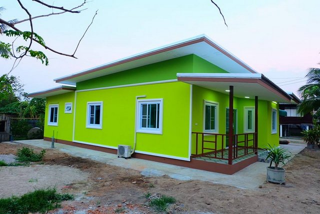 Yellow-green-painted Small House  17