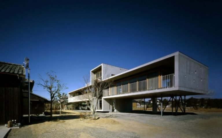 Pilotis House in Okayama, Japan by Furuichi & Associates