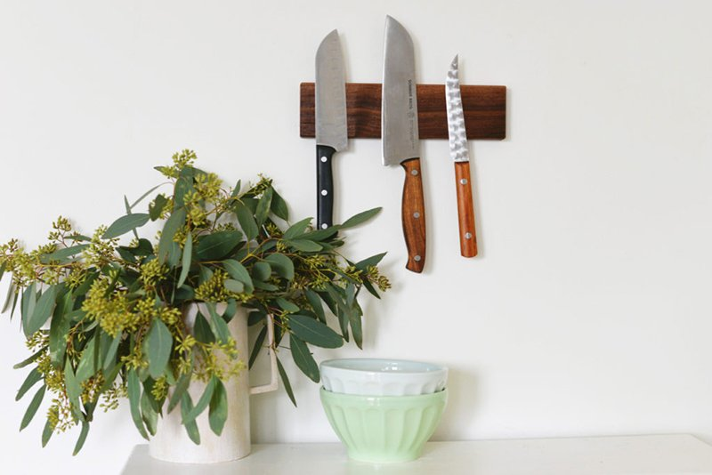 Sleek, Magnetic Knife Rack
