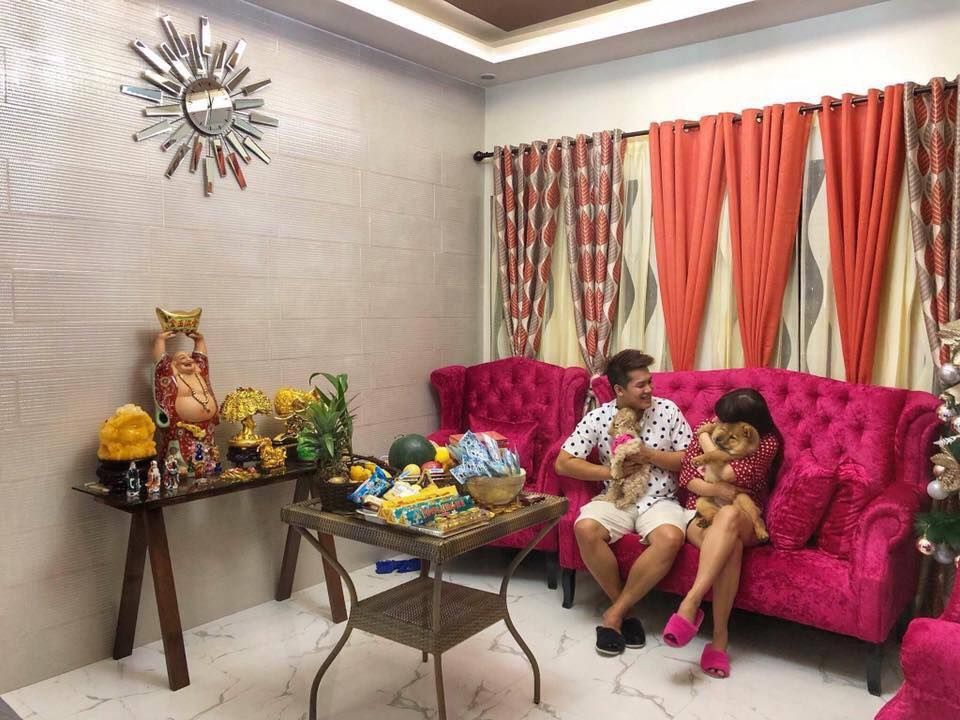 Couple Shares Their Impressive Dream House  inside house