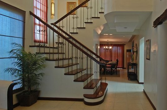 Two-Story House Design 3