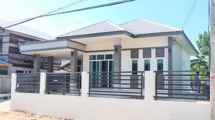 Stylish Design for Compact Three-Bedroom House with Carport