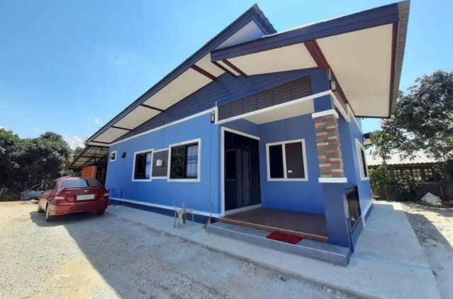 Modern 4-Bedroom Blue House