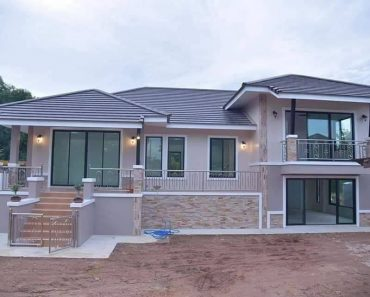 Grand House with 4 Bedrooms, Impressive Design with Basement