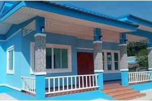 Pretty 2-Bedroom House with Blue Walls (70sqm)