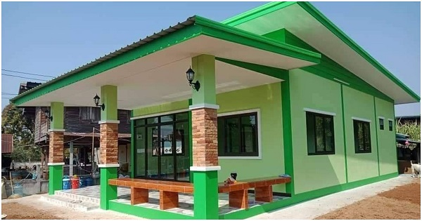 Green House with Contemporary Design and 2 Bedrooms