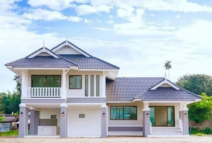 2-Story House with 3 Bedrooms